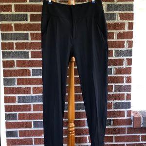 LULULEMON 🍋 black commuter pants Size 6